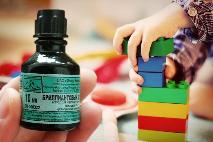 Зеленка отсутствует в аптеках зарубежных стран из-за недостатка клинических испытаний / Фото: 123ru.net
