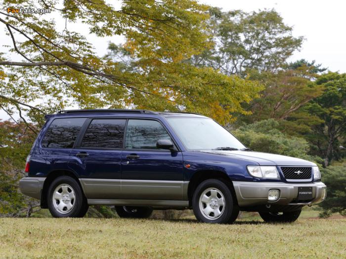 Subaru Forester собрал в себе некоторые качества от универсалов и внедорожников.