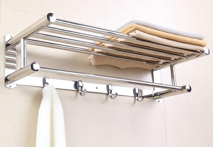 Без вешалки в ванной никуда / Фото: vipvannaya.ru