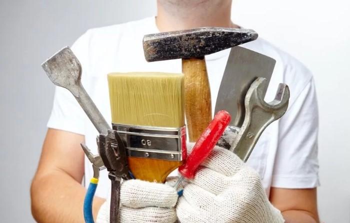 Хитроумный мастер обязательно найдет «дополнительные поломки», чтобы тут же их исправить и заработать больше / Фото: deilo.ru