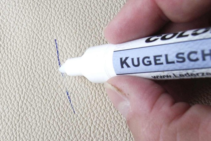 Для выведения следов ручки можно воспользоваться специальным карандашом / Фото: tekstilprofi.com