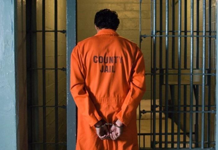 Преступники в США традиционно носят оранжевую форму / Фото: i10.fotocdn.net