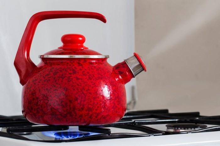 Кипятить воду на газовой плите - самый экономный вариант/ Фото: smak.ua