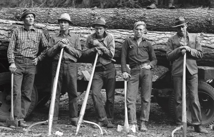 Джинсы настолько полюбились золотоискателям, ковбоям, фермерам и другим рабочим, что их дизайн не менялся более 50 лет / Фото: images.fineartamerica.com