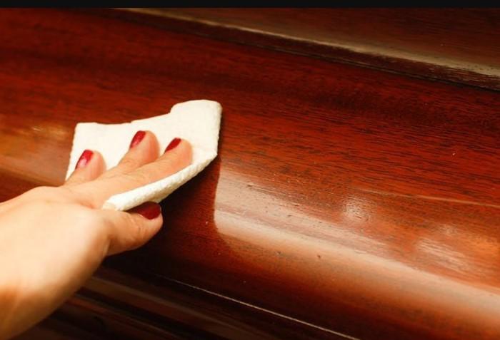 Удалить царапины с деревянной мебели поможет корица / Фото: i.ytimg.com