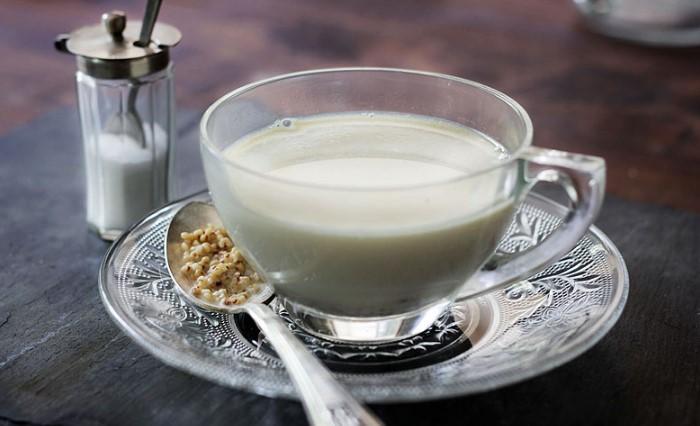 Сутэй цай - традиционный монгольский чай, богатый белками, жирами и углеводами / Фото: spicegoddess.files.wordpress.com