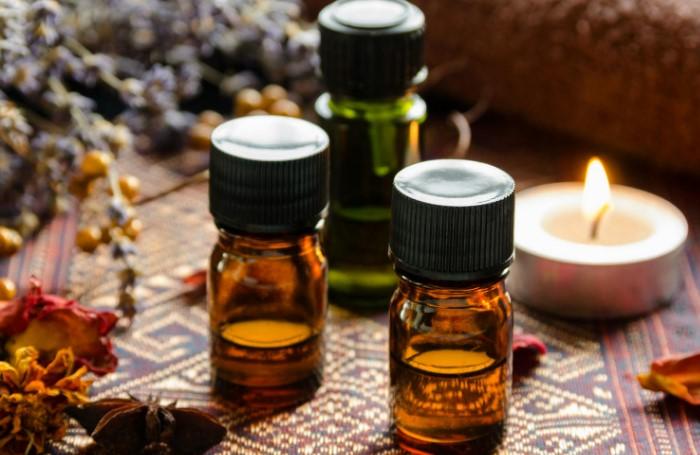 Эфирные масла помогут замаскировать неприятные ароматы / Фото: auto.yuga.ru