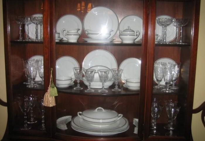 Красивой посудой нужно пользоваться не только по праздникам, но и каждый день / Фото: i.pinimg.com