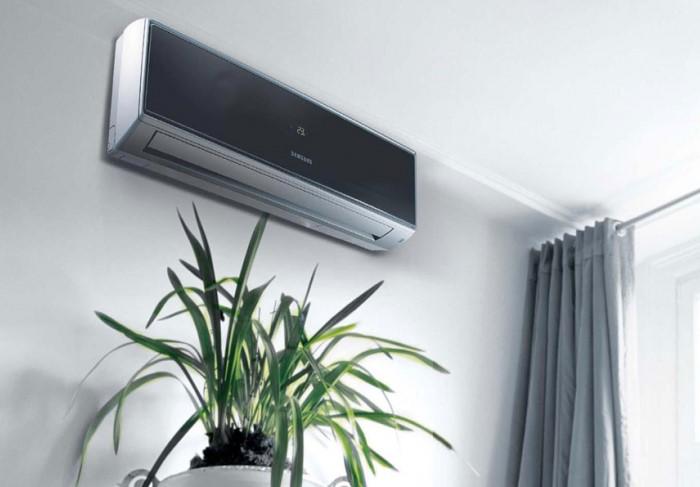 Отрегулируйте температуру батареи и кондиционера, чтобы поддерживать стабильный режим / Фото: pprvent.ru