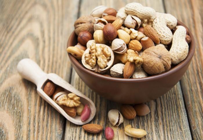 Орехи - вкусный и полезный перекус между основными приемами пищи / Фото: hyser.com.ua