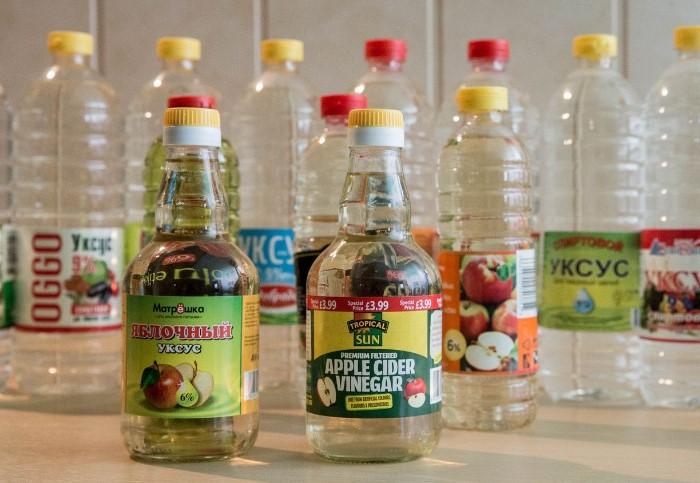 Уксус можно использовать в чистом виде и совместно с другими веществами / Фото: severdv.ru
