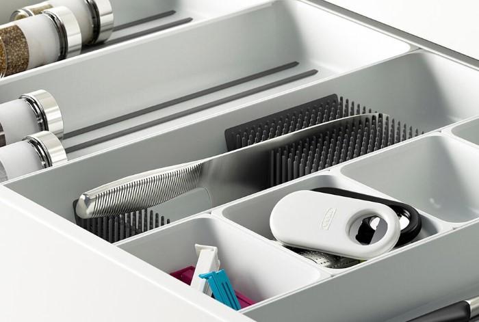 Горизонтальная подставка - оптимальный и безопасный вариант для хранения ножей / Фото: design-homes.ru