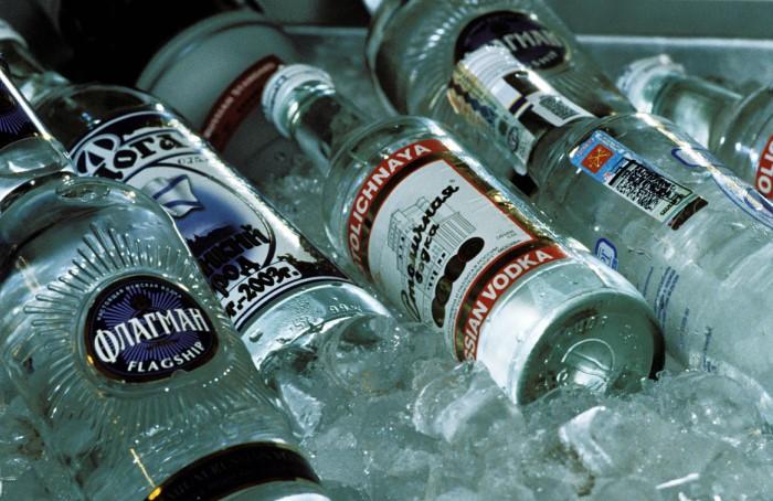 Поскольку спирт является неотъемлемым компонентом крепких напитков, алкоголь тоже получается калорийным / Фото: media.professionali.ru