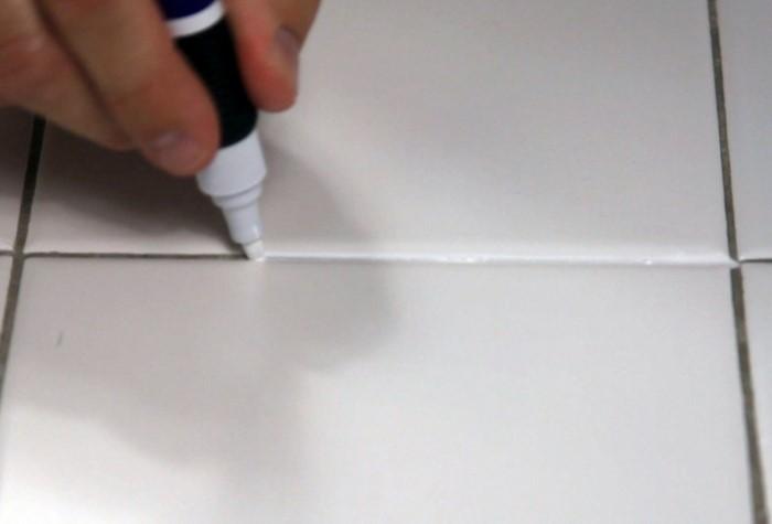 Маркер для сантехнических швов - удобный и действенный вариант / Фото: i.pinimg.com