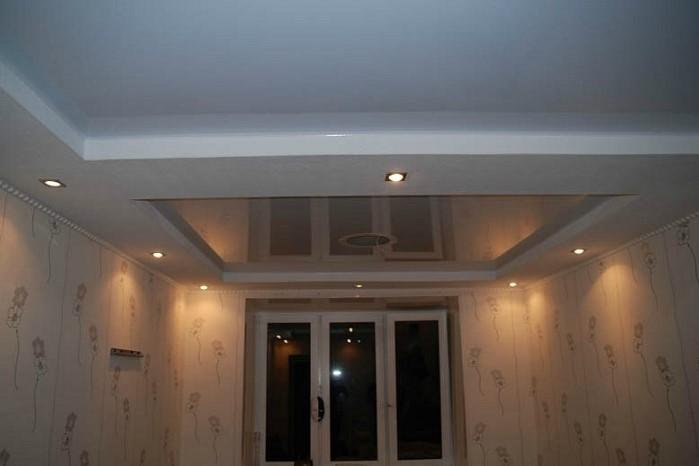 Натяжной потолок и гипсокартоновые конструкции могут уменьшить комнату на 10-15 см  / Фото: oknaklika.ru