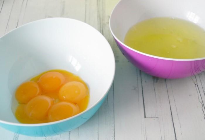 Пить яичные желтки натощак полезно не только для связок, но и при похмелье / Фото: legkovmeste.ru