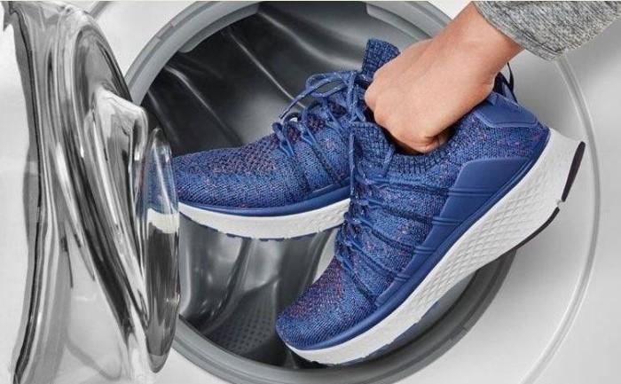 В машинке можно стирать кроссовки, но не всех видов