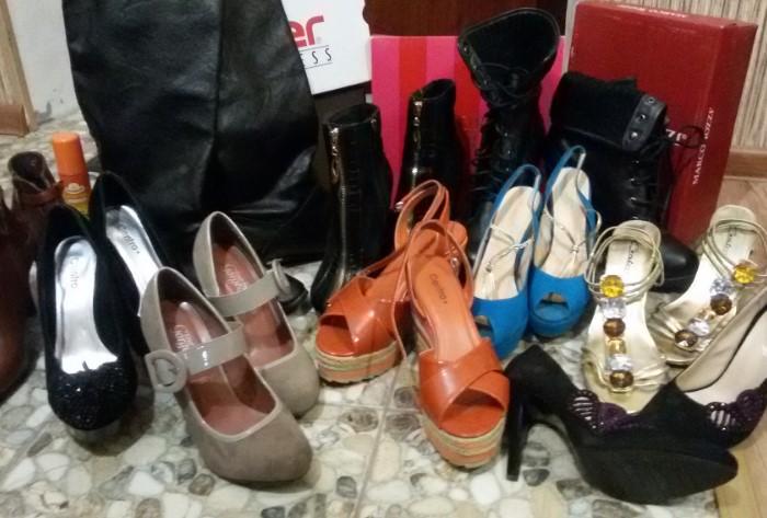 Сперва рассортируйте обувь и подготовьте пары к хранению / Фото: i0.u-mama.ru