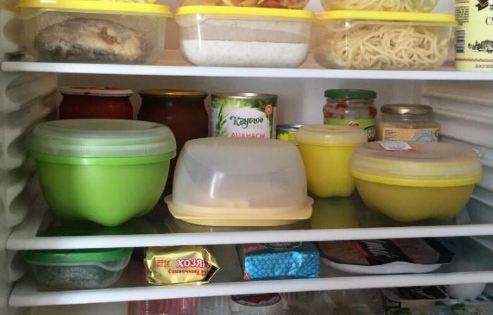 Храните еду в холодильнике в закрытых емкостях / Фото: datysho.ru