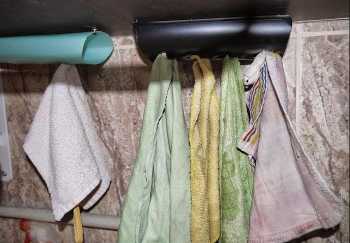 Старые и грязные полотенца испортят впечатление о любой кухне / Фото: vinnytsianews.com