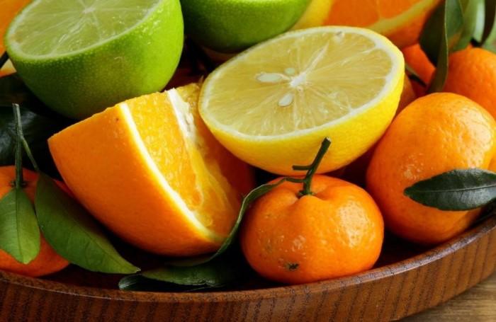 Лимон, лайм, грейпфрут, апельсин, мандарин, банан и даже авокадо помогут потушить «пожар» / Фото: thumbor.my.ua