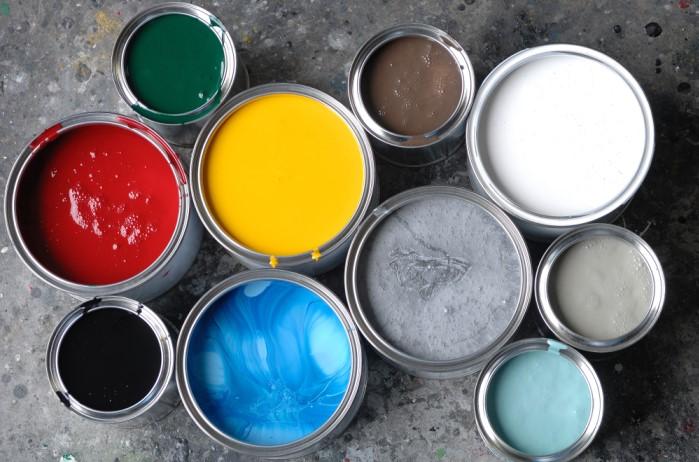 Качественная краска должна быть густой, насыщенной и стойкой / Фото: kraski-net.ru