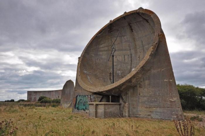 «Уши» концентрировали и усиливали звуковые волны самолетов, давая британским ВВС 15-минутную фору / Фото: lh3.googleusercontent.com
