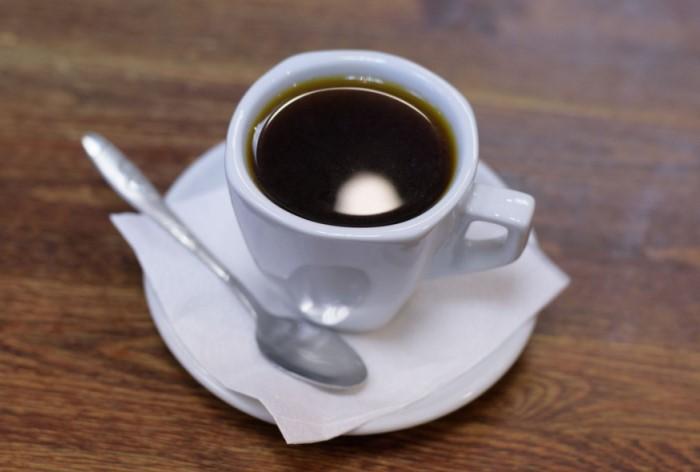 Специально для американских военных крепкий эспрессо начали разбавлять водой / Фото: storage.googleapis.com