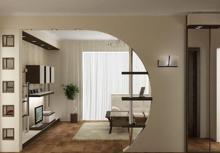 Сделайте арку классической формы, асимметричной, овальной, трапециевидной,  с фигурными элементами, освещением и встроенными полками / Фото: design-homes.ru