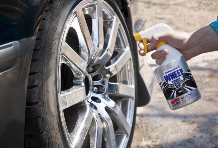 Диски будут сиять, если мыть их железной губкой с автошампунем / Фото: a.d-cd.net
