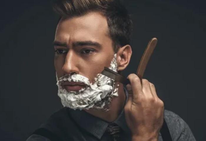 Брадобрей оказывает услугу мужчинам, которые не умеют бриться самостоятельно, но должен ли он бриться сам / Фото: i.pinimg.com