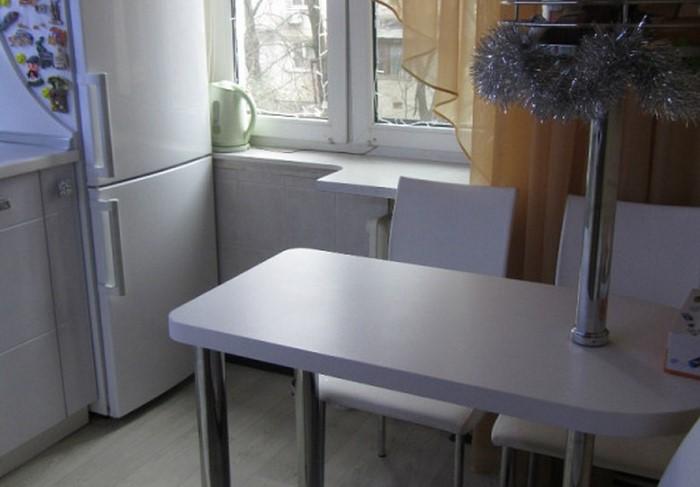 За барной стойкой тест, а также решение не подходит, если в доме есть дети или пожилые люди / Фото: dizainkyhni.com
