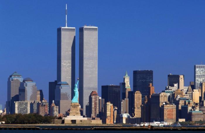 По легенде игры, сооружения исчезли после террористической атаки / Фото: nastol.com.ua