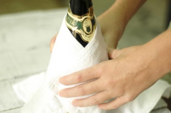 Всего за несколько минут напиток охладится до нужной температуры / Фото: wikihow.com