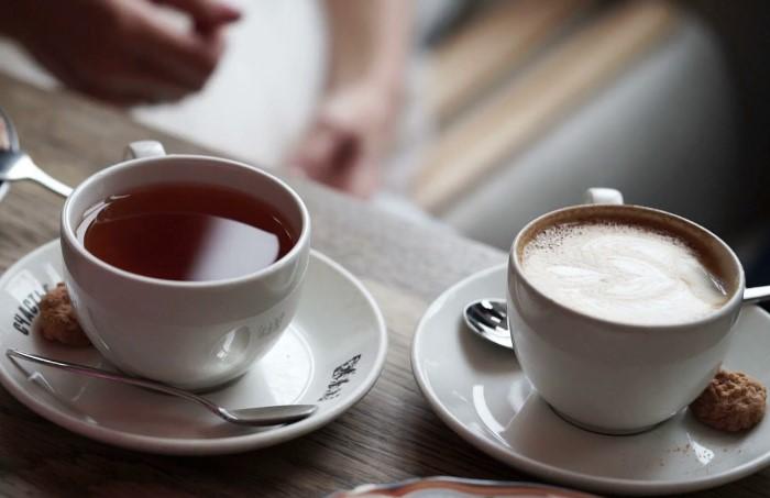В чае и кофе содержится стойкий пигмент, который усложняет задачу по выведению пятен / Фото: img.sciencedc.com