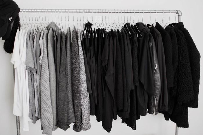 На черной одежде останутся ворсинки, которые трудно отстирать / Фото: i.pinimg.com