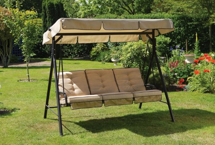На даче важно обязательно обустроить уголок для отдыха