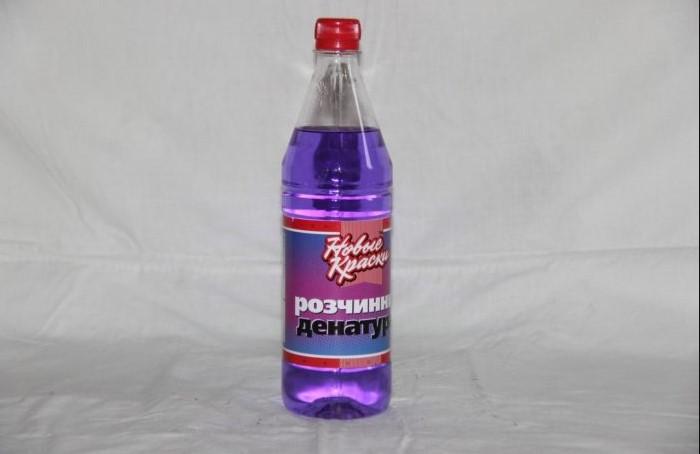 Вместо денатурата можно использовать и обычную водку / Фото: nastanova.com
