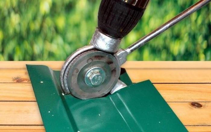 Дисковые ножницы разрезают металл толщиной до 3 мм / Фото: cache3.youla.io