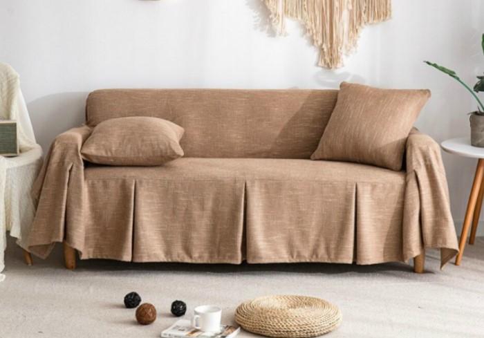 Чехол для мебели - отличная возможность защитить предметы интерьера от изнашивания и украсить комнату