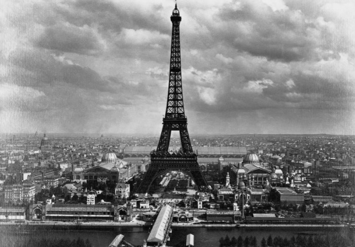 Когда в 1889 году в центре Парижа появилась Эйфелева башня, она стала самым высоким сооружением в мире / Фото: drasler.ru