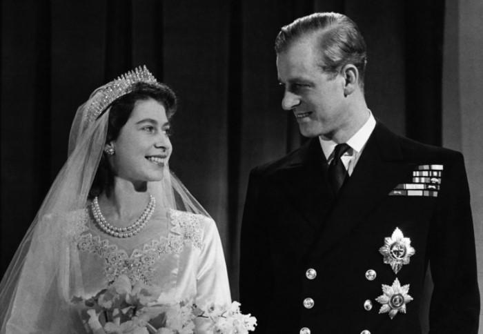 Чтобы жениться на дочери английского короля Георга VI, Филиппу пришлось отказаться от титула / Фото: img.srgcdn.com
