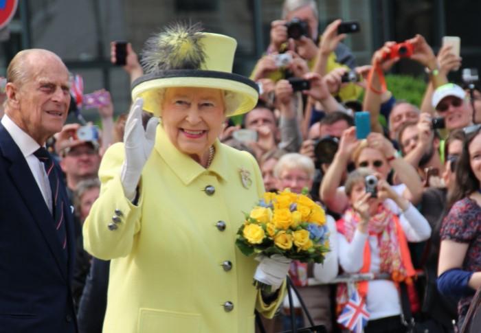В апреле Елизавета II празднует в кругу семьи, а летом устраивает торжественный прием / Фото: regnum.ru