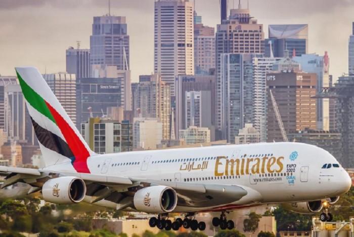Дубай славится своими авиашоу и авиалинией Emirates  / Фото: countryscanner.ru