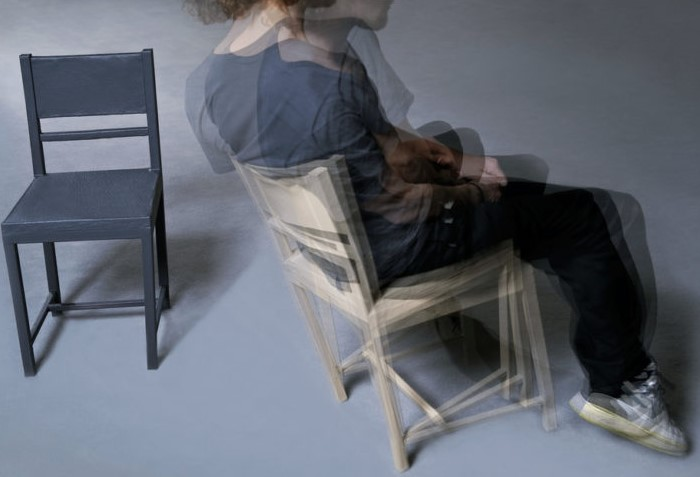 Ерзанье выдает вашу неуверенность и волнение / Фото: kiasuplumber.com