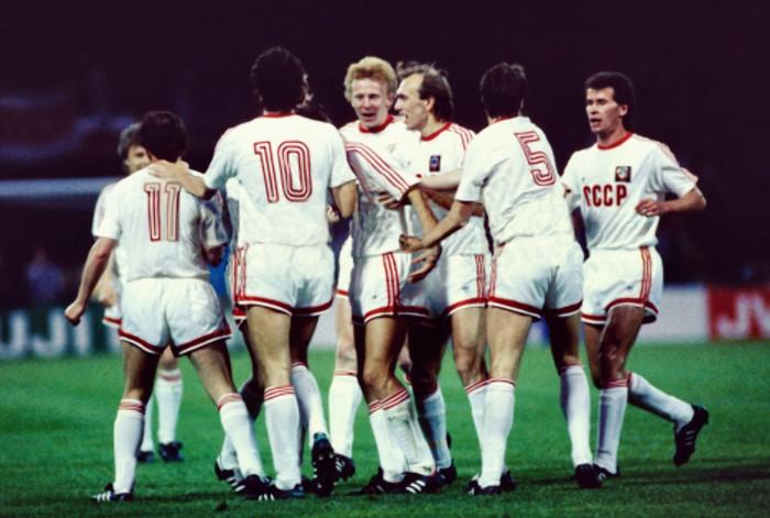 До середины 90-х по правилам ФИФА членам команды присваивался номер от 1 до 11 / Фото: forumimage.ru