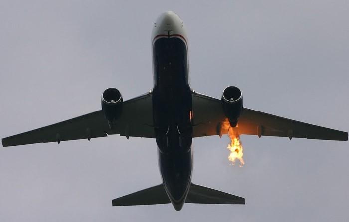 Если загорелся двигатель, у пилота есть достаточно времени, чтобы посадить самолет / Фото: akcenty.com.ua