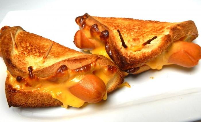Горячие бутерброды перевариваются намного проще / Фото: fb.ru