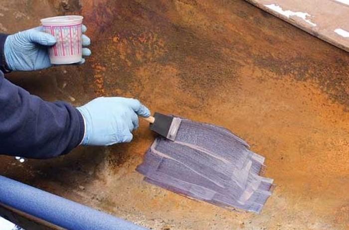 Грунт-эмаль преобразует ржавчину в защитный слой / Фото: faqindecor.com