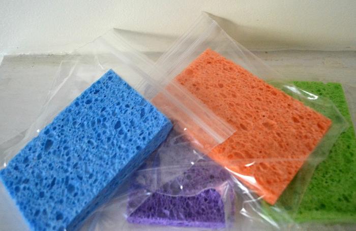 Замороженные губки подойдут для сохранения продуктов свежими и обработки ушибов / Фото: nastroy.net